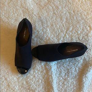 Donald Pliner Peep toe wedge booties